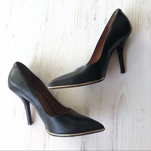Givenchy • Black Leather Pumps With Gold Size 36